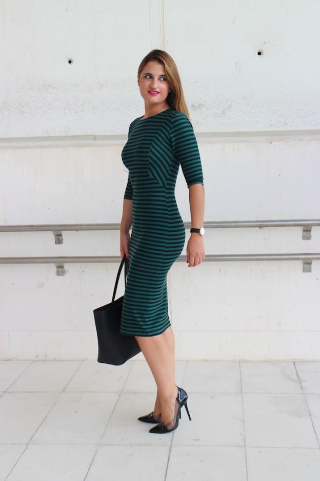 Striped Dress amarás la moda michael kors bag mbfwmadrid chloe borel shoes