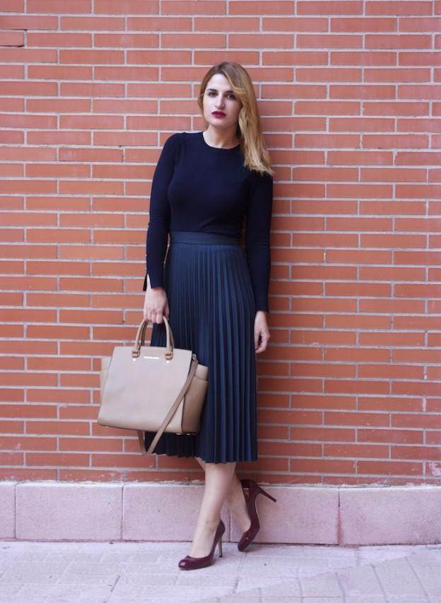 falda plisada Zara zapatos LK Bennett michael kors bag amaras la moda Paula Fraile