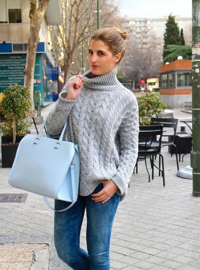 pastel blue amaras la moda