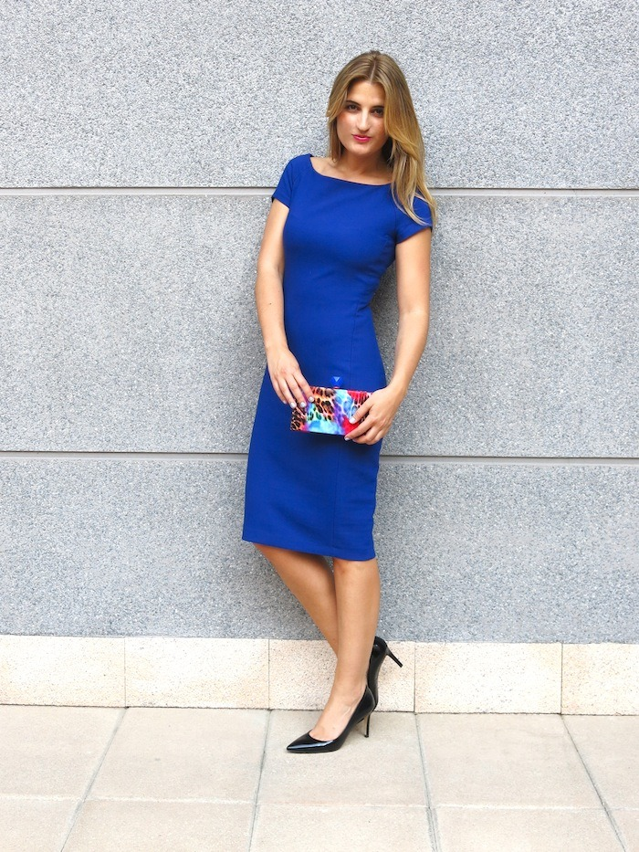 blue dress amaras la moda  chic sympathique clutch
