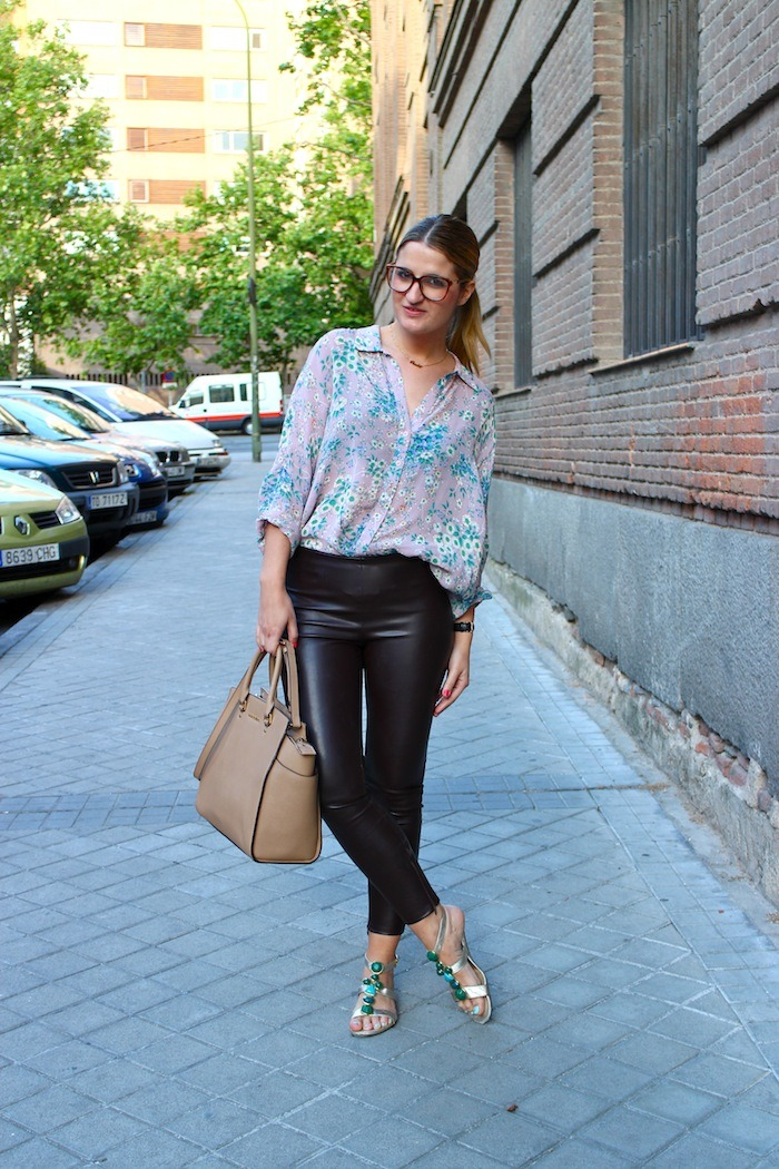 flower shirt topshop leather pants amaras la moda 5