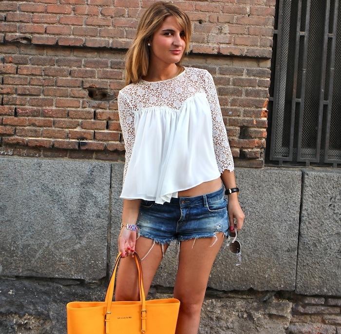 michael kors shopping bag yellow top white crochet Zara shorts amaras la moda 3