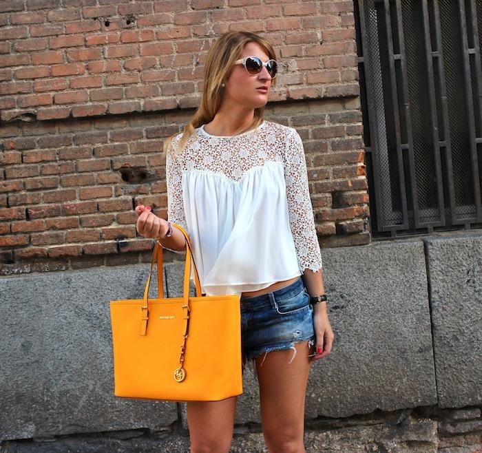 michael kors shopping bag yellow top white crochet Zara shorts amaras la moda 5