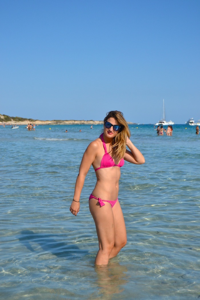 calzedonia bikini shirts asos Ibiza playa de las Salinas Amarás la moda Guess sunnies 2