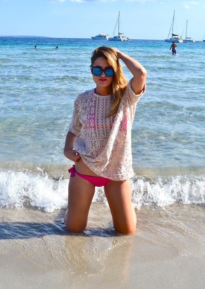 calzedonia bikini shirts asos Ibiza playa de las Salinas Amarás la moda Guess sunnies