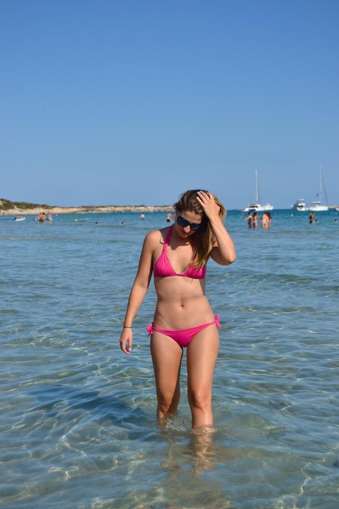 calzedonia bikini shirts asos Ibiza playa de las Salinas Amarás la moda Guess sunnies6