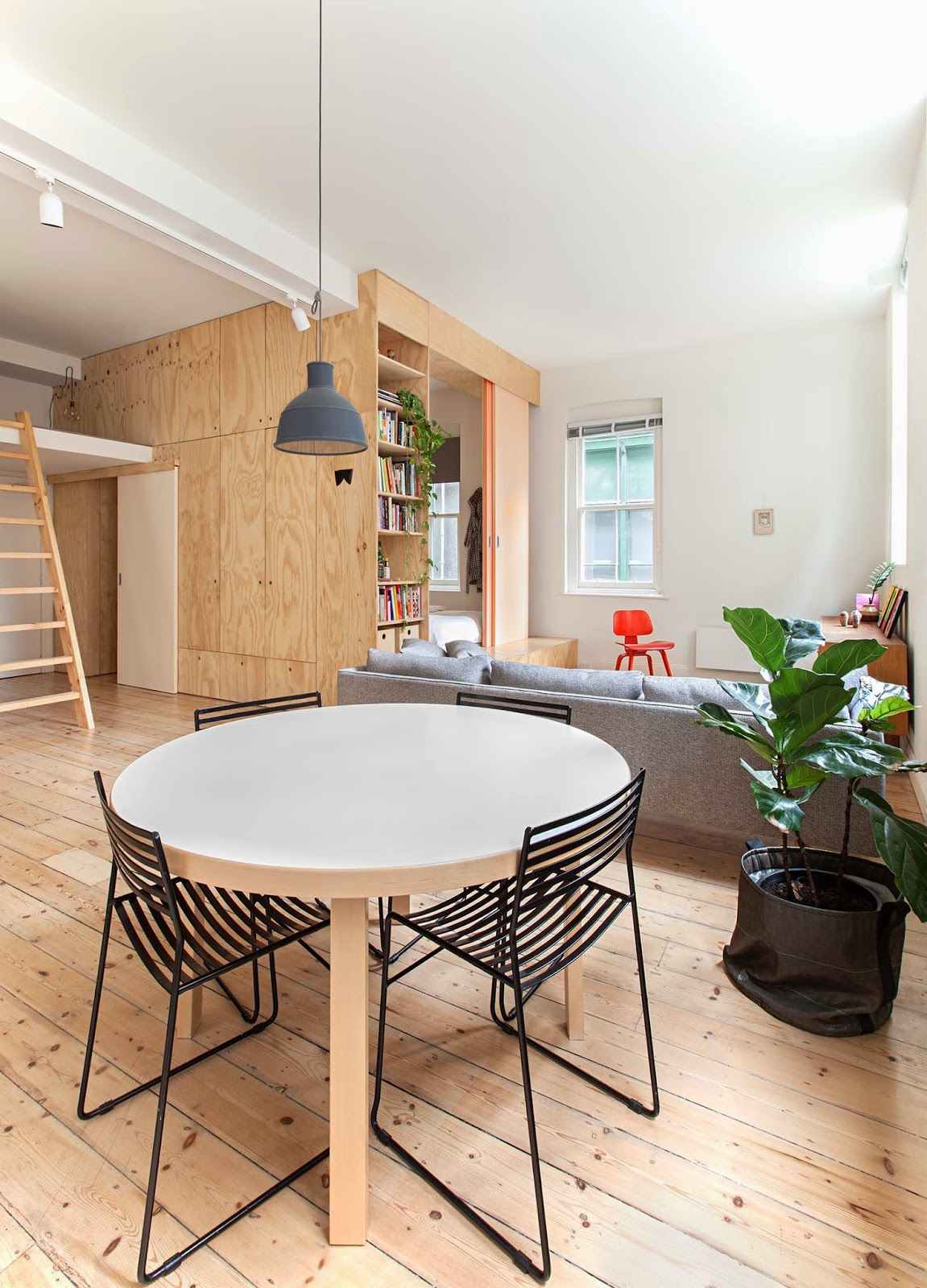 Jelanie-blog-Plywood-home-with-a-touch-of-salmon-1