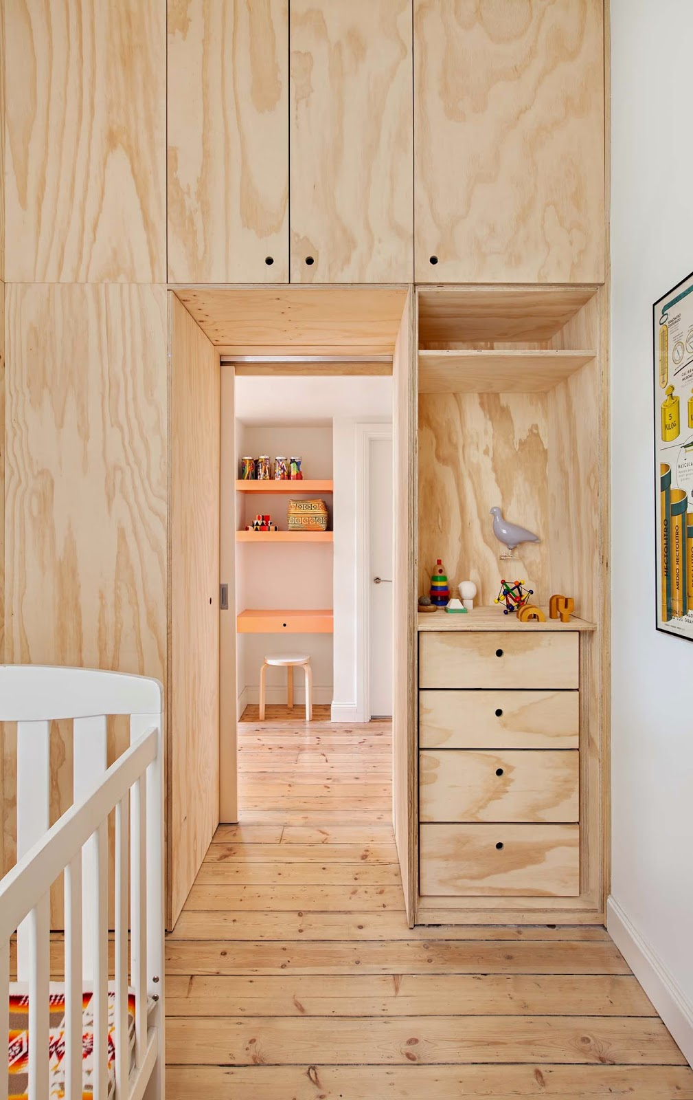 Plywood-home-with-a-touch-of-salmon Amarás la moda deco 5