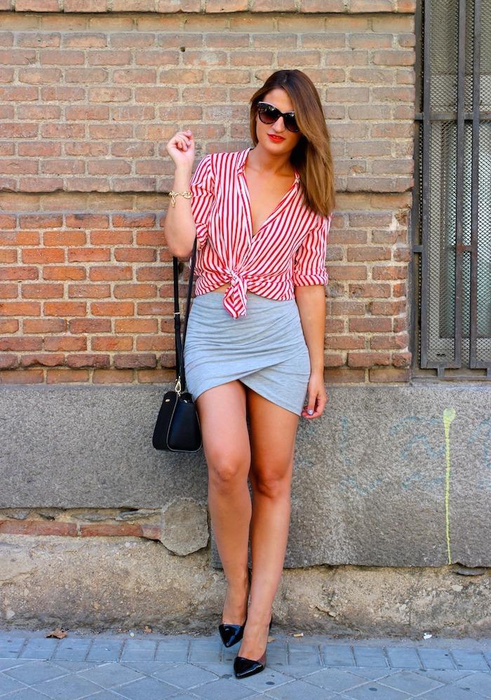 camisa rayas roja blanza zara falda cruzada amaras la moda michael kors bag. 2