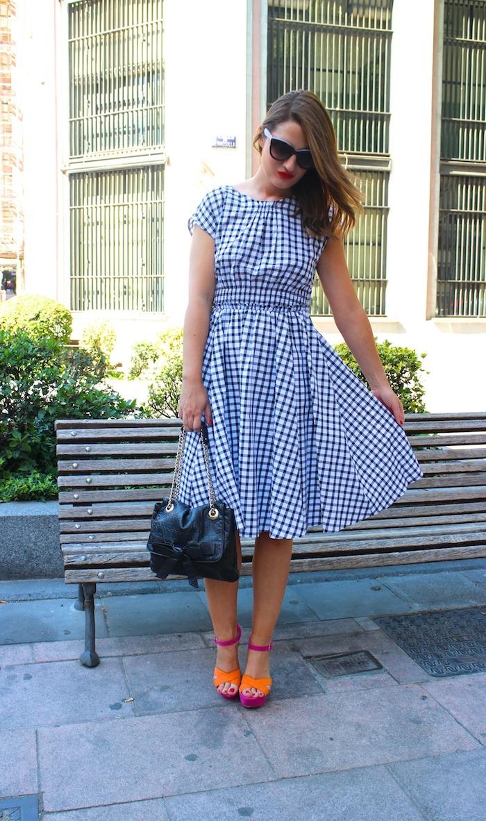 vestido cuadros Zara Carolina Herrera bag sandals Primark Amarás la moda 6