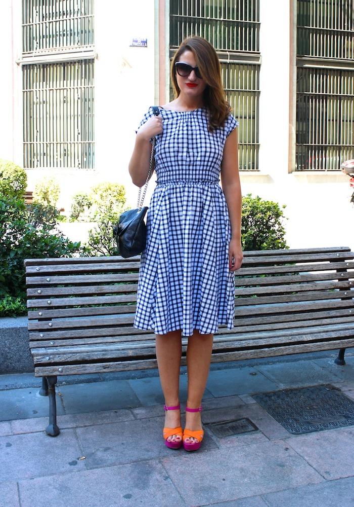vestido cuadros Zara Carolina Herrera bag sandals Primark Amarás la moda 8