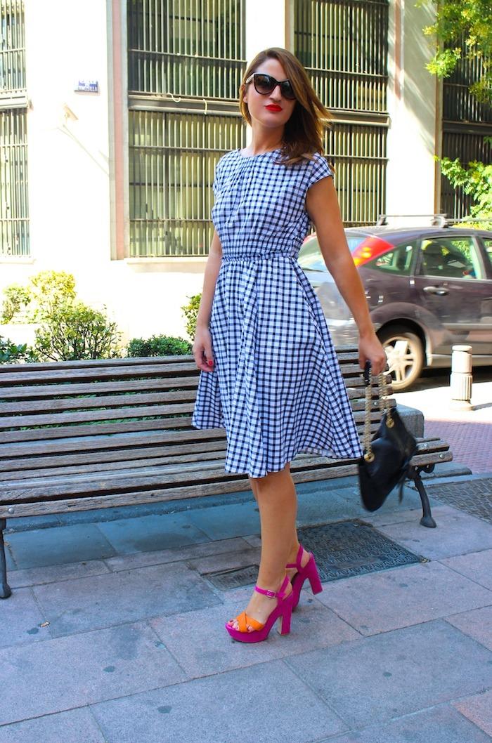 vestido cuadros Zara Carolina Herrera bag sandals Primark Amarás la moda 9