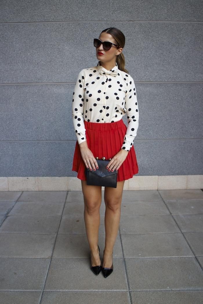 falda plisada camisa corazones compañia fantastica amaras la moda chloe borel zapatos 4