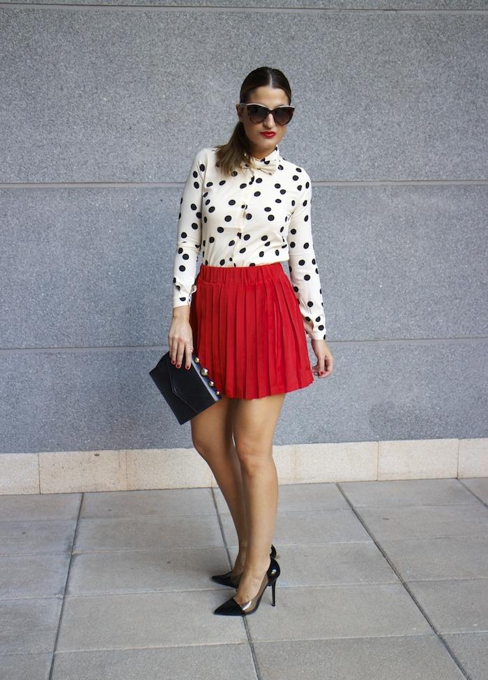 falda plisada camisa corazones compañia fantastica amaras la moda chloe borel zapatos 6