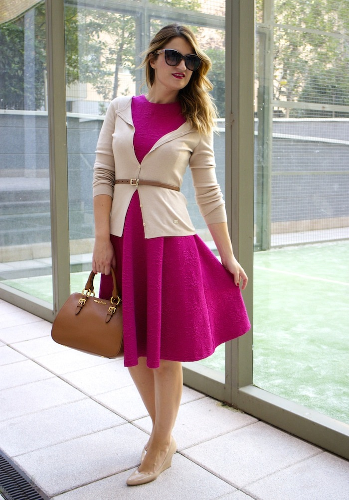 miu miu bag jimmy choo shoes zara pink dress carolina herrera cardigan dolce and gabanna belt amaras la moda. 5