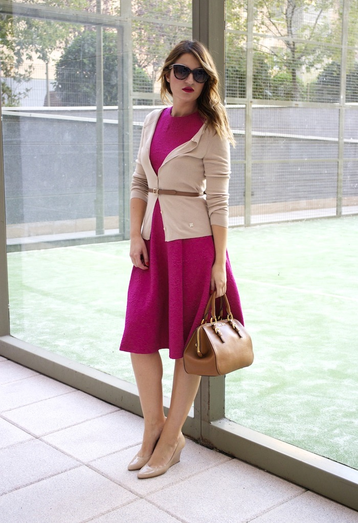 miu miu bag jimmy choo shoes zara pink dress carolina herrera cardigan dolce and gabanna belt amaras la moda