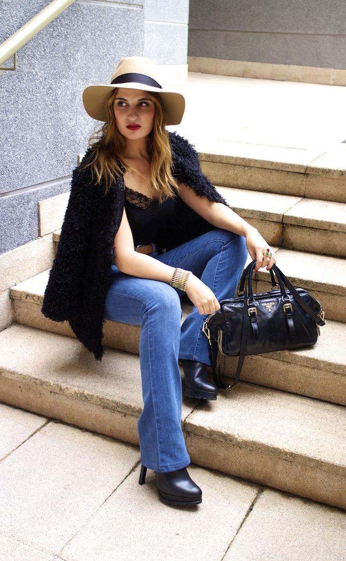 70s look venca coat j brand jeans prada bag zara boots amaras la moda 6