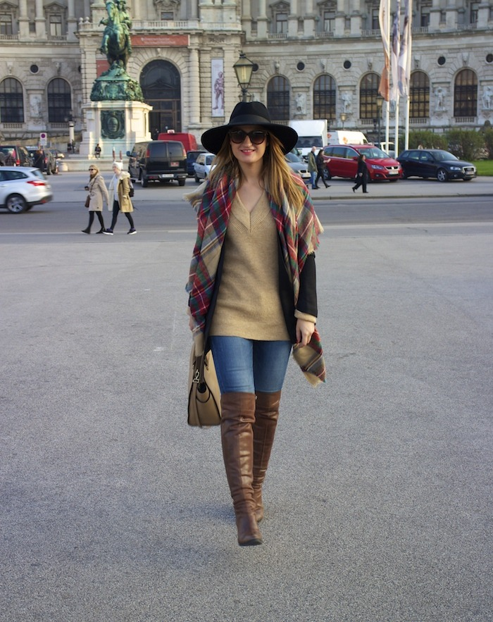 Viena sombrero sweater jeans Zara boots pons quintana blazer hym bolso pons quintana 4