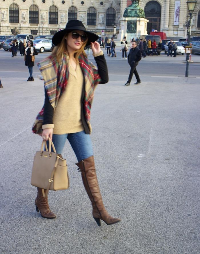 Viena sombrero sweater jeans Zara boots pons quintana blazer hym bolso pons quintana 6