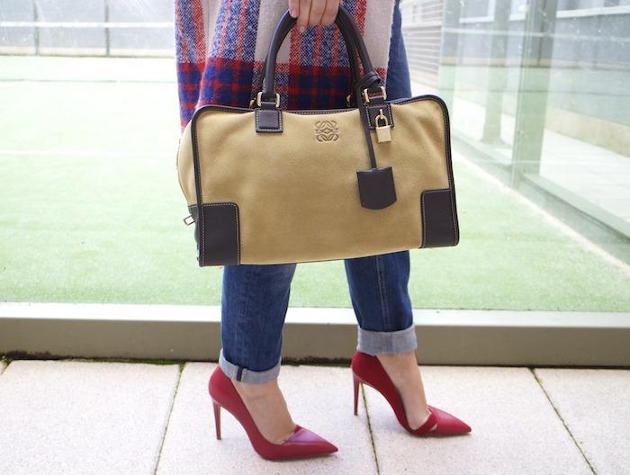 boyfriend jeans h&m Loewe Amazona bag Zara coat stilettos Zara Amaras la moda 10