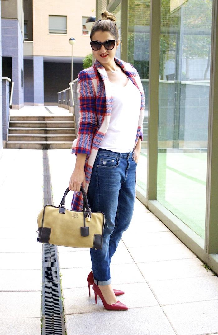 boyfriend jeans h&m Loewe Amazona bag Zara coat stilettos Zara Amaras la moda 11