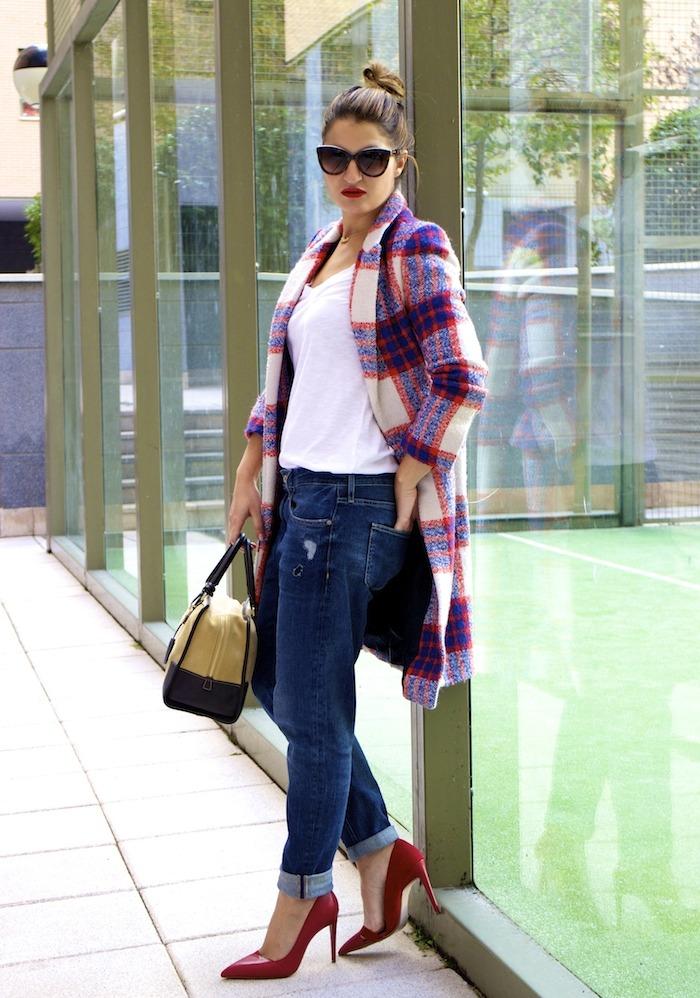 boyfriend jeans h&m Loewe Amazona bag Zara coat stilettos Zara Amaras la moda 2