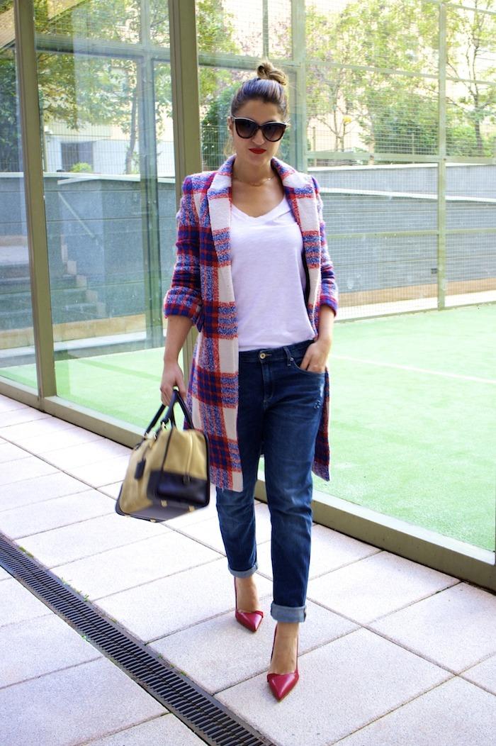 boyfriend jeans h&m Loewe Amazona bag Zara coat stilettos Zara Amaras la moda 5