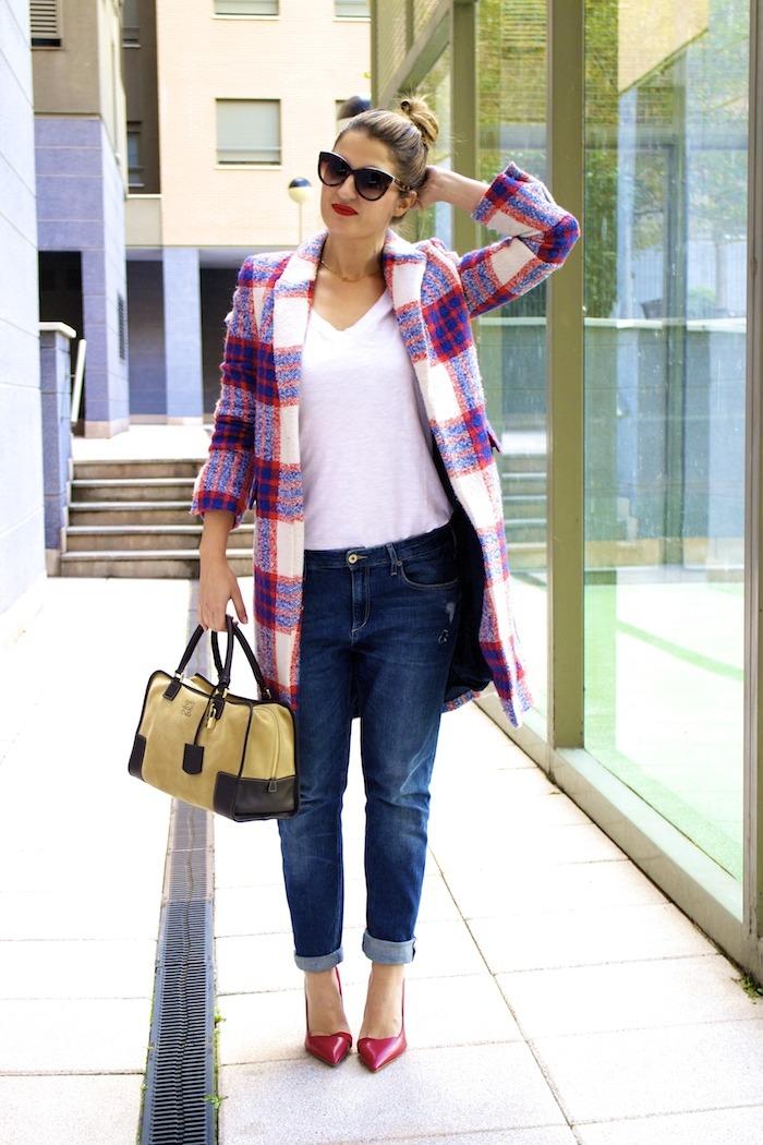 boyfriend jeans h&m Loewe Amazona bag Zara coat stilettos Zara Amaras la moda 9