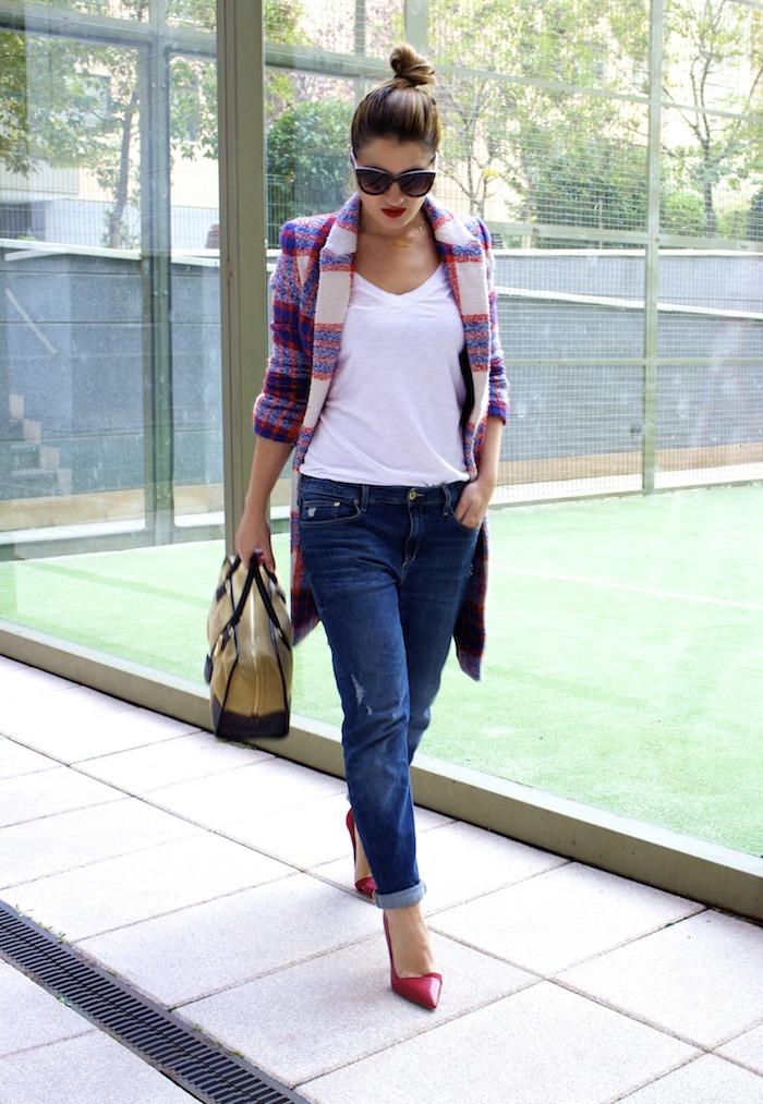 boyfriend jeans h&m Loewe Amazona bag Zara coat stilettos Zara Amaras la moda