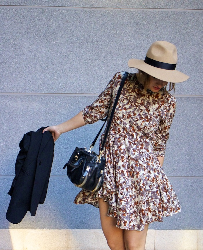 hym flower dress zara boots prada bag amaras la moda