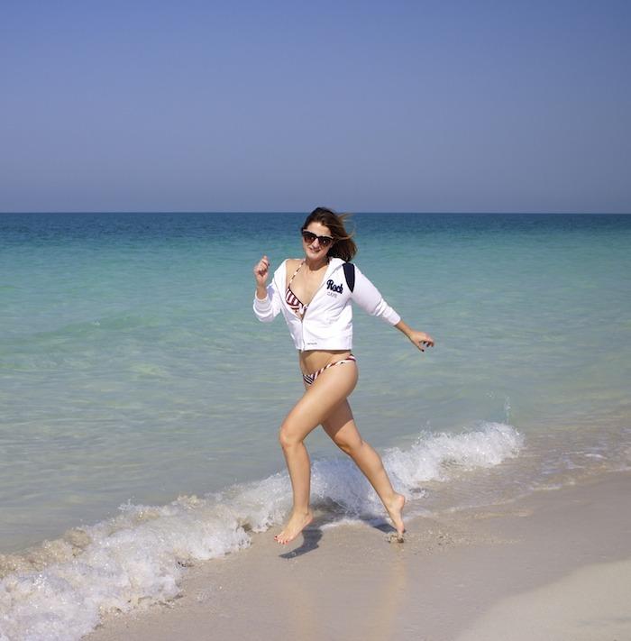 saadyat beach abu dhabi moschino amaras la moda. 5