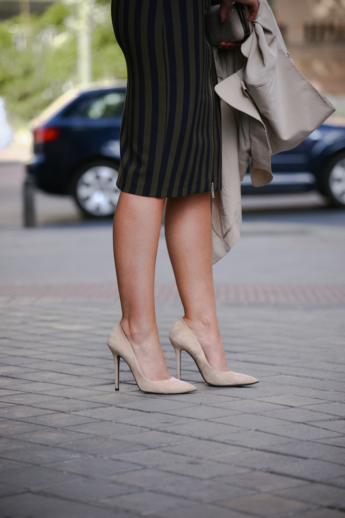Stripped Skirt amaras la moda chloe borel shoes la redoutte trench 7