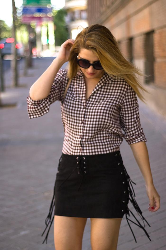 falda flecos camisa cuadros bolso michael kors amaras la moda 3
