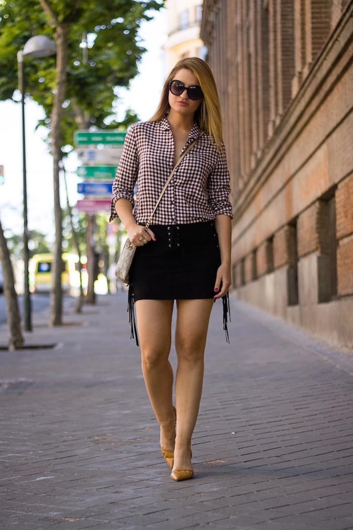 falda flecos camisa cuadros bolso michael kors amaras la moda 4