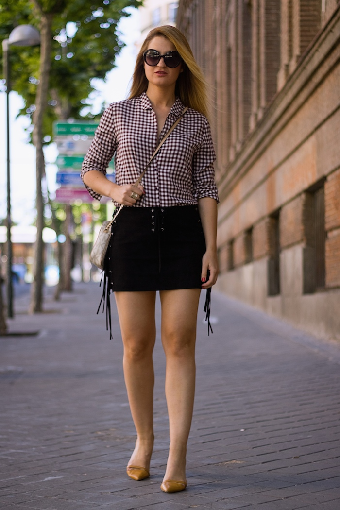 falda flecos camisa cuadros bolso michael kors amaras la moda 8