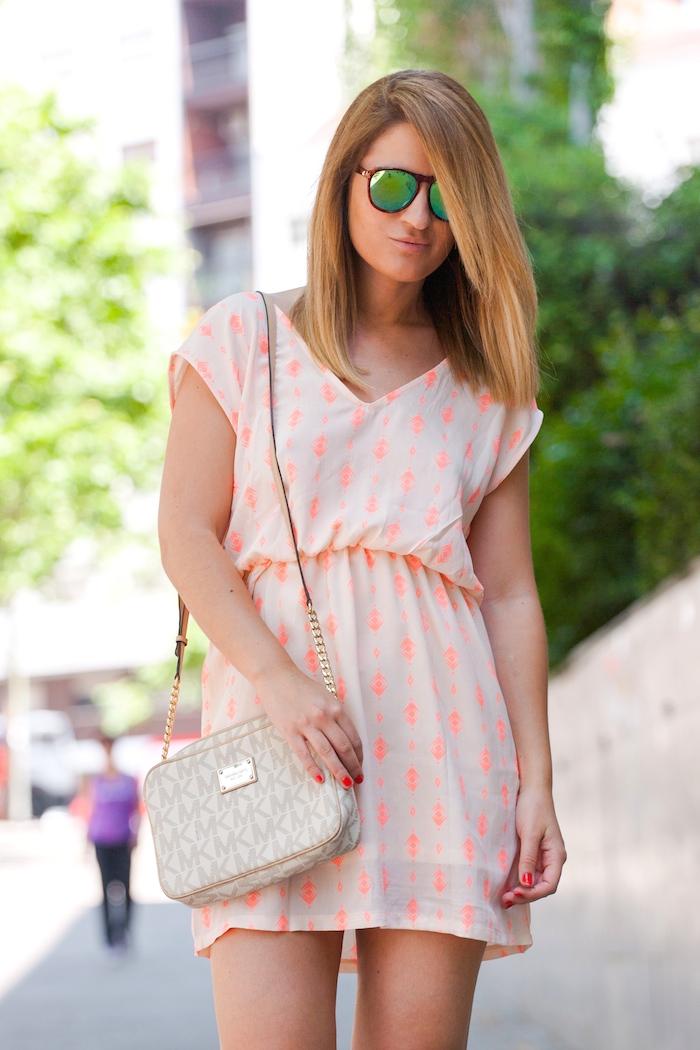 Vestido SuitTrendy amaras la moda Pilar Burgos zapatos . 3