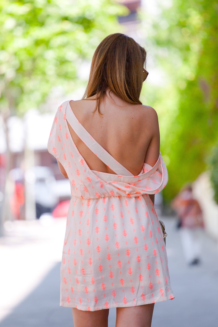 Vestido SuitTrendy amaras la moda Pilar Burgos zapatos