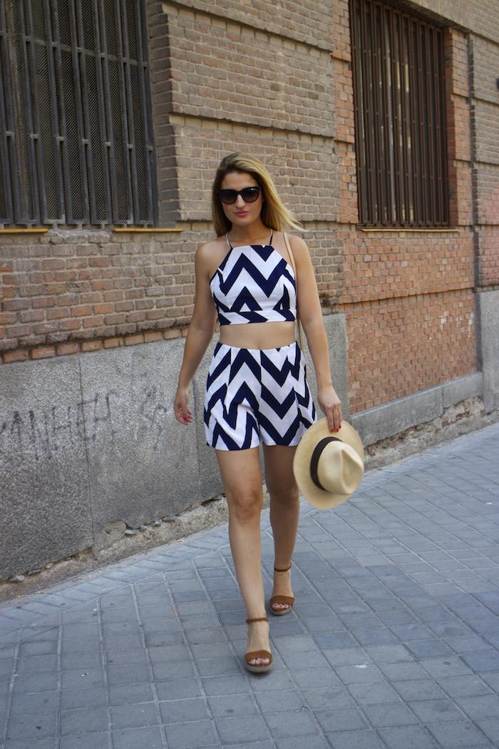 conjunto fashion pills rayas amaras la moda Pochette Eva Louis Vuitton 2