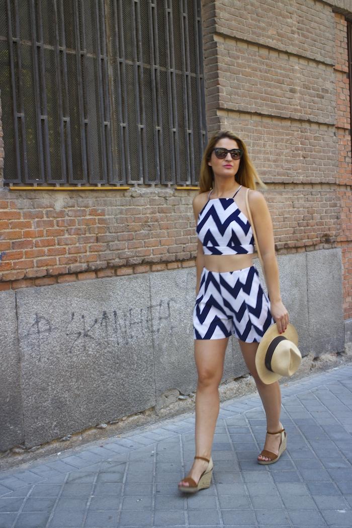 conjunto fashion pills rayas amaras la moda Pochette Eva Louis Vuitton 4