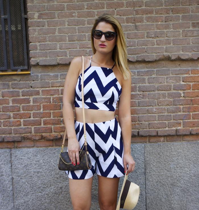 conjunto fashion pills rayas amaras la moda Pochette Eva Louis Vuitton 5