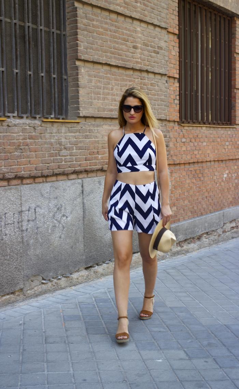 conjunto fashion pills rayas amaras la moda Pochette Eva Louis Vuitton 6