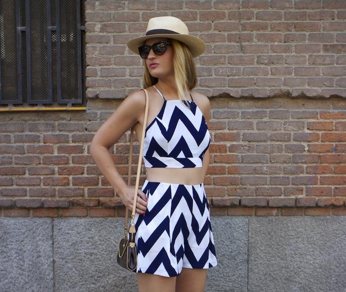conjunto fashion pills rayas amaras la moda Pochette Eva Louis Vuitton 7