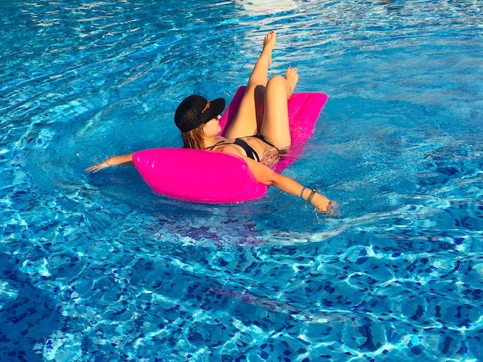 pool Excelsior Hotel Malta MTV Isle of MTV ANOCHECIO Kimono A 3
