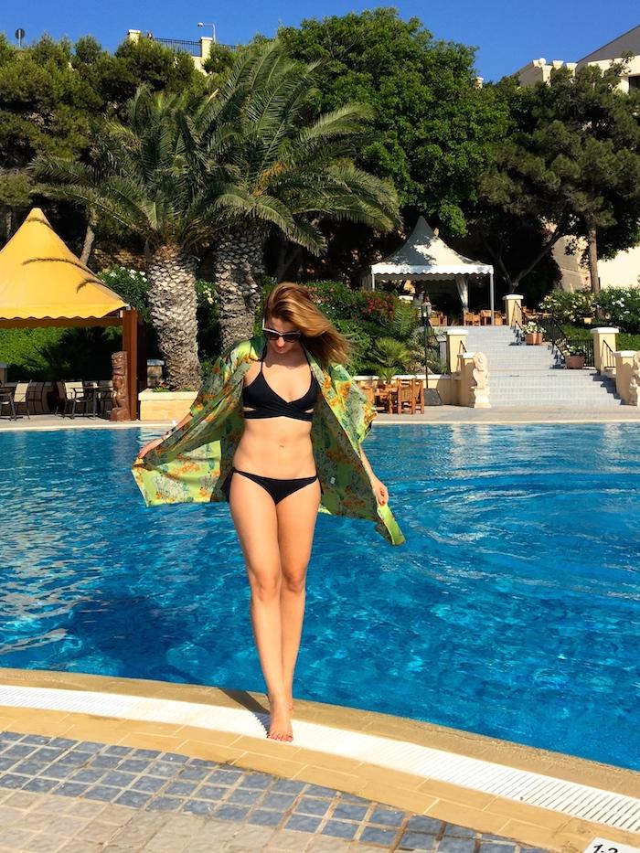 pool Excelsior Hotel Malta MTV Isle of MTV ANOCHECIO Kimono A 4