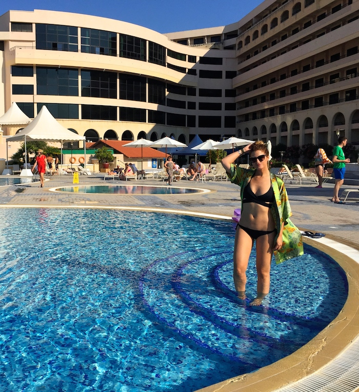pool Excelsior Hotel Malta MTV Isle of MTV ANOCHECIO Kimono Amarás la moda