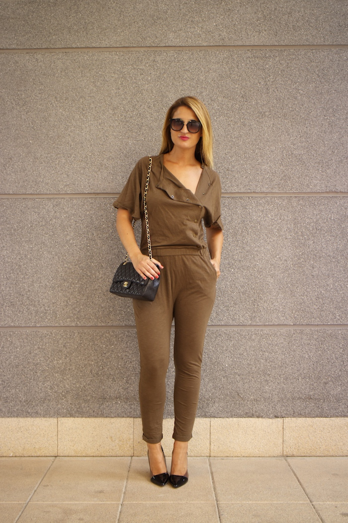 voyage jumpsuit amaras la moda chanel bag chloe borel stilettos Prada sunnies Optica Roma 2