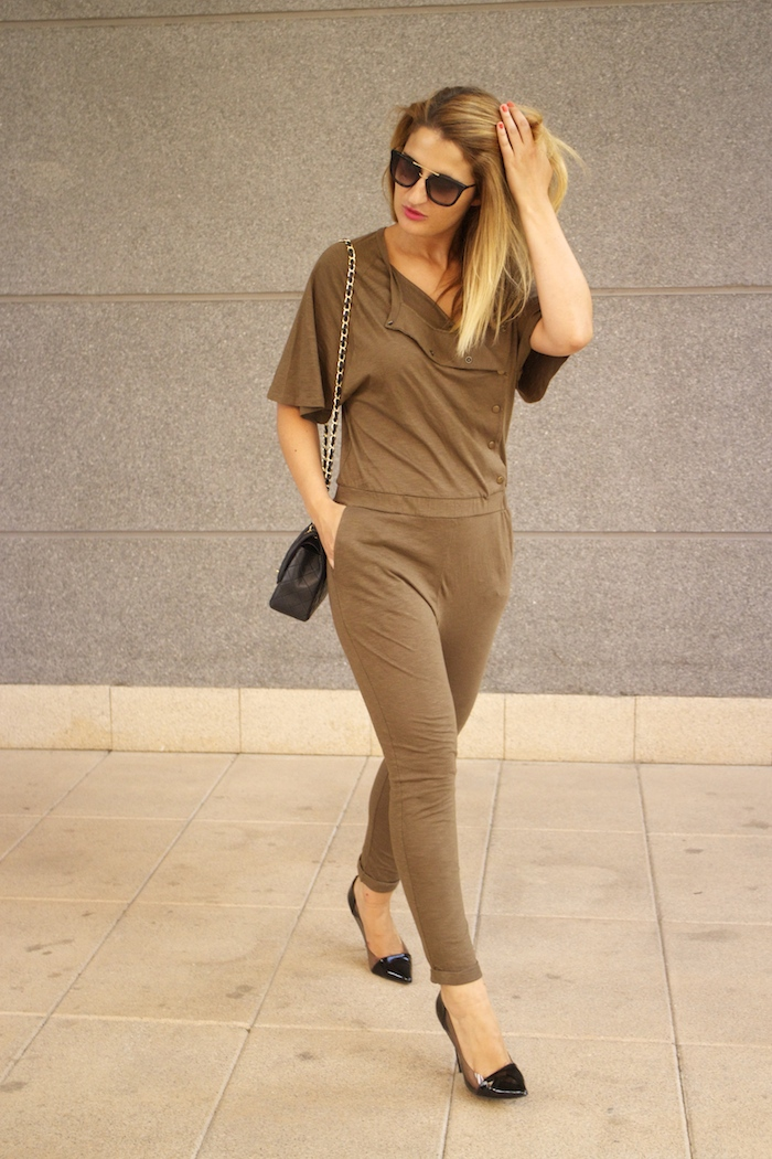 voyage jumpsuit amaras la moda chanel bag chloe borel stilettos Prada sunnies Optica Roma 3