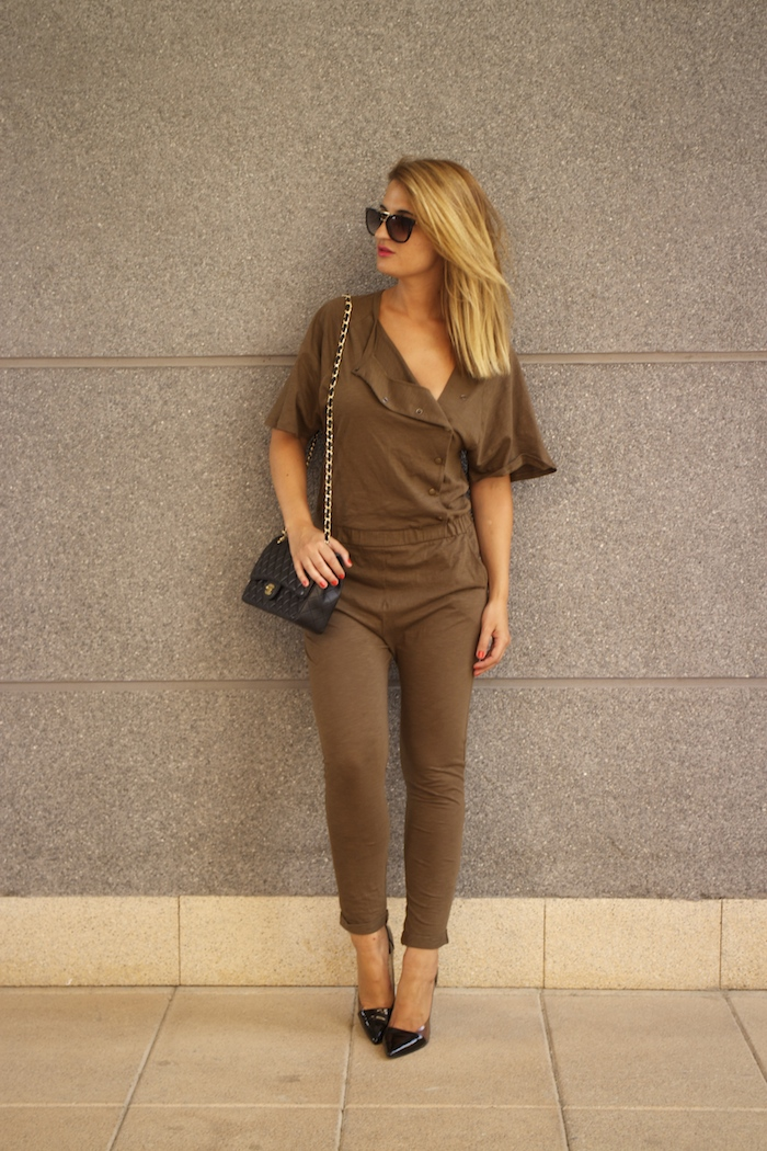 voyage jumpsuit amaras la moda chanel bag chloe borel stilettos Prada sunnies Optica Roma 5