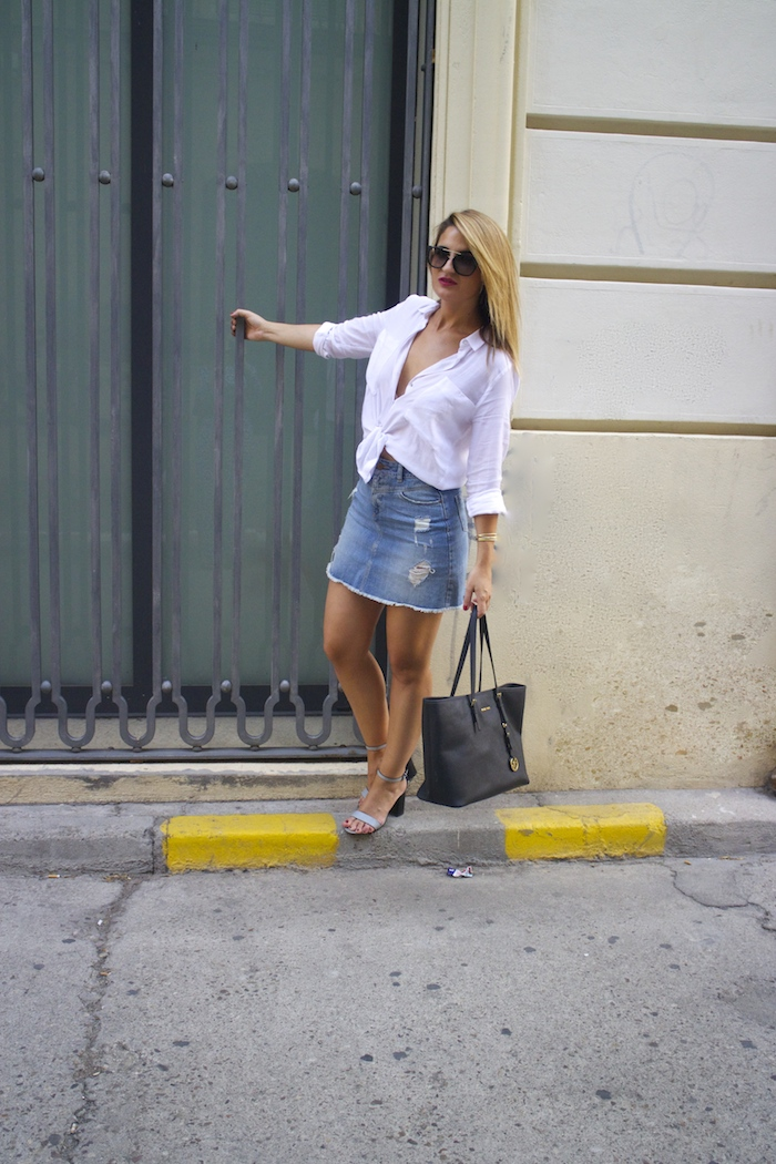 amaras la moda white blouse denim skirt sandals zara michael kors bag paula fraile 2
