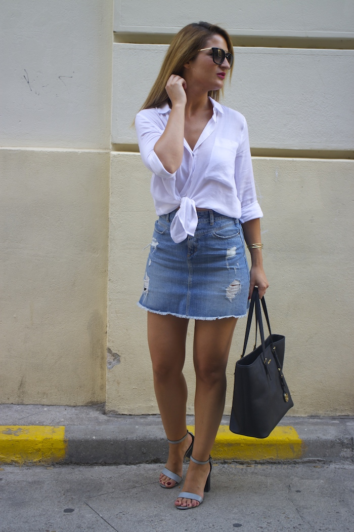 amaras la moda white blouse denim skirt sandals zara michael kors bag paula fraile 3